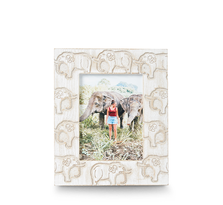 Cadre avec éléphants sculptés 6 x 8 po